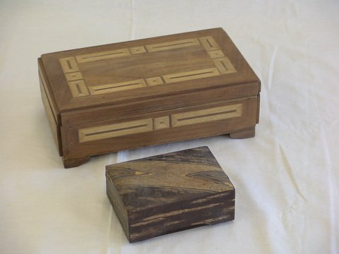 1003: 1.Inlaid wooden jewelry box. 2.Wood veneer boxes