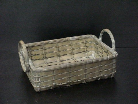 4008: Heavy metal decorative basket with woven design a