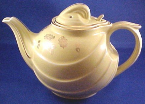 1018: Hall China Teapot Six Cup Gold Trim