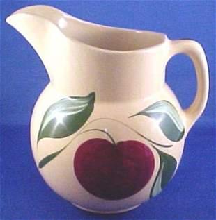No.16 Watt Pottery Pitcher Apple Pattern 3 Leaf