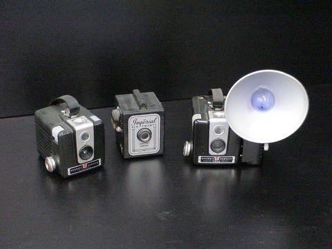 1076: 3 Cameras: 2 Kodak Brownie Hawkeye & 1 Imperial