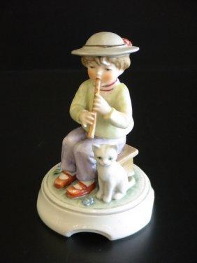 Goebel Lore 220 Flute Recital, Figurine # 8/304,