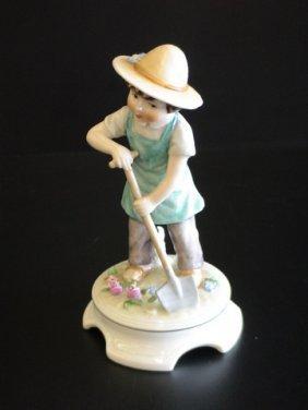 Goebel Lore 226 The Flower Farmer, Figurine # 8/8