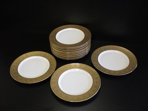1023: 12 dinner plates marked Limoges France & French c