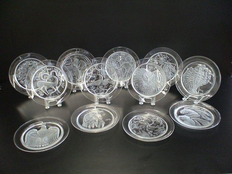 1089: Complete series of 12 Lead Crystal plates signed