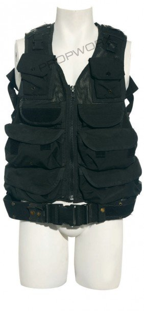 18: O'Neill's tactical vest