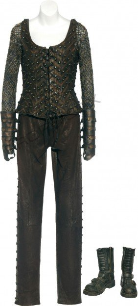 """Carter's Scoundrel Costume From """"Off The Grid"""""""