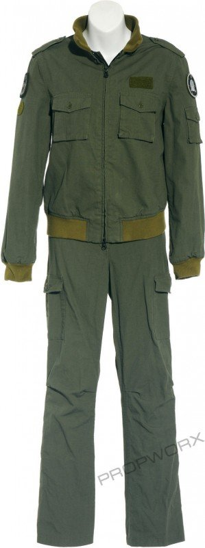 52: Vala's green uniform