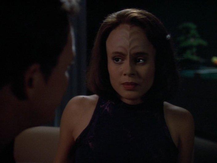 """Star Trek: Voyager B'elanna Torres """"Scientific Method"""" - 2"""