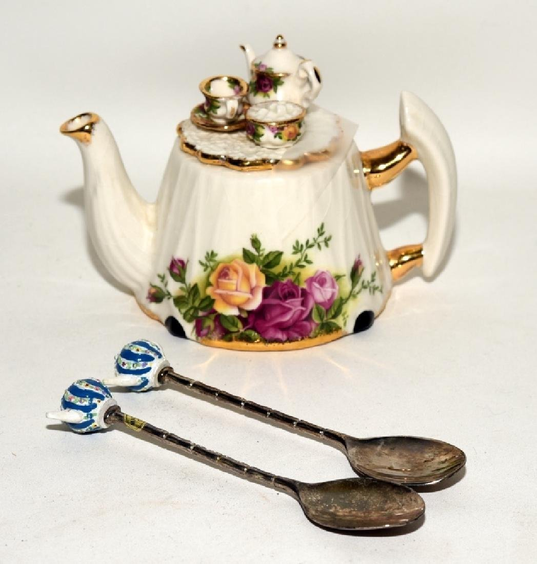 Royal Albert Old Country Roses Teapot & Spoons