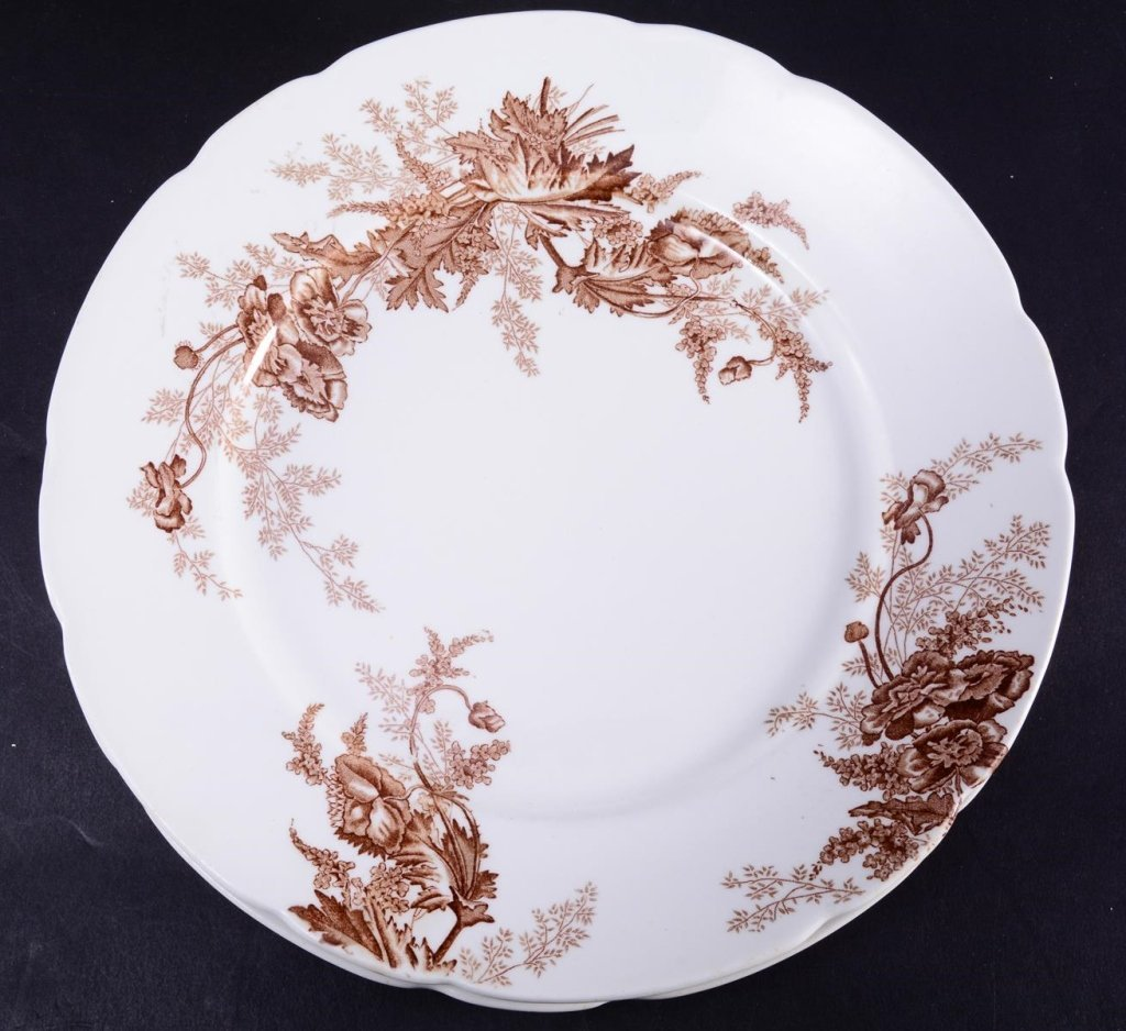 Doulton Covered Tureen & Paris Royal Plates - 3
