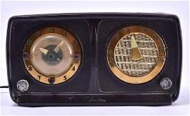 Vintage Sears Silvertone Model 10 Clock Radio