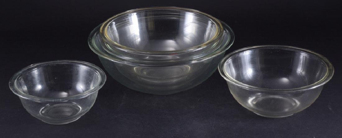 5 Pyrex Nesting Bowls