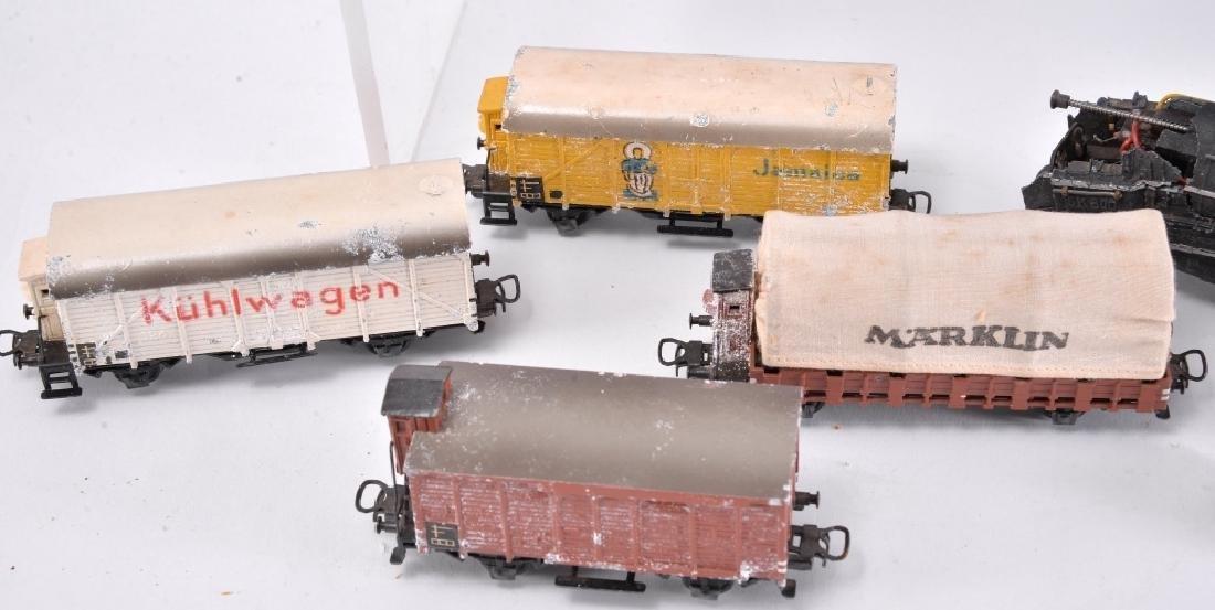 6 Marklin Railcars & Engine - 4