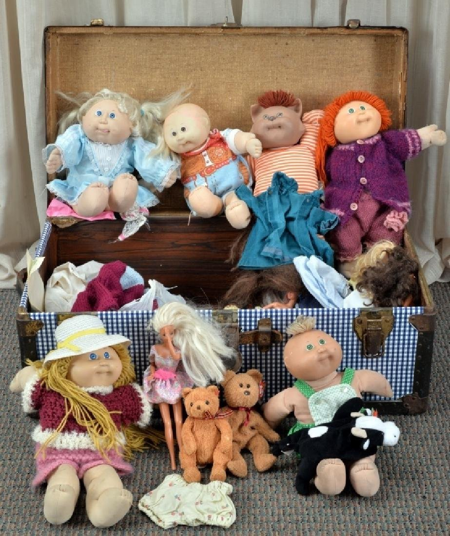 Blue & White Trunk w/Cabbage Patch Kids & More