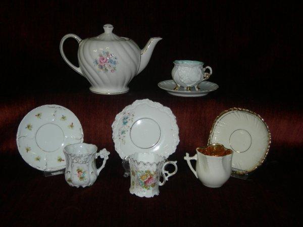 17: Teapot & Demitasse Cups