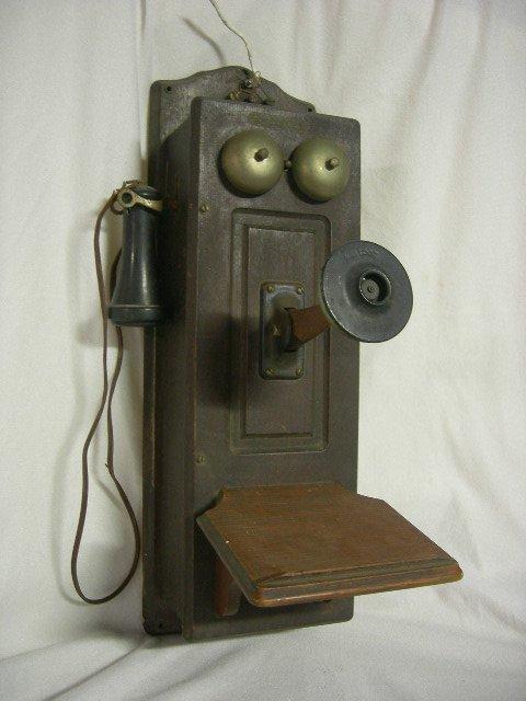 15: VINTAGE WALL MOUNT KELLOG TELEPHONE