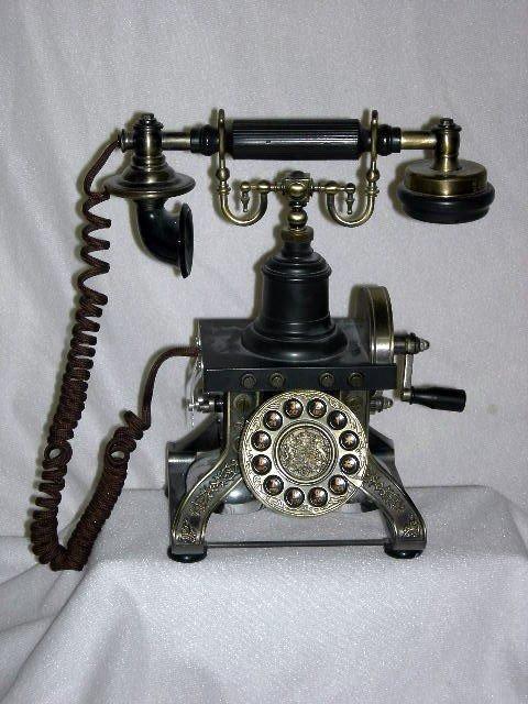 17: CLASSIC SERIES TELEPHONE