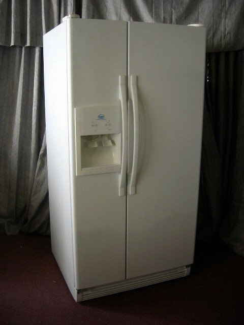 69 Roper Side By Side Refrigerator Jul 31 2010