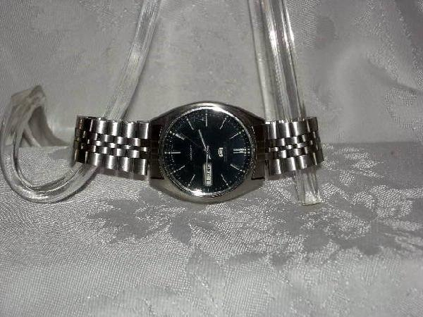 420: MAN'S SEIKO WATCH