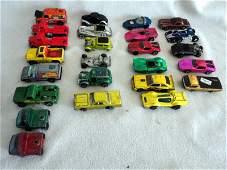 271: HOT WHEELS CASE W/25 CARS