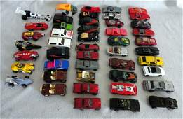 298: HOT WHEELS CARS W/MATCHBOX CASE