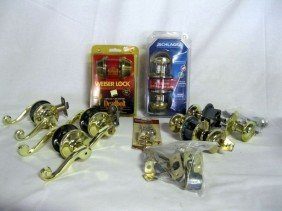 METAL DOOR KNOBS & LOCKS