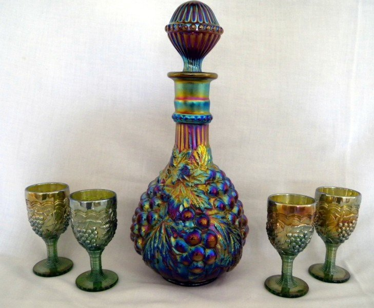 45: CARNIVAL DECANTER & CORDIAL GLASSES