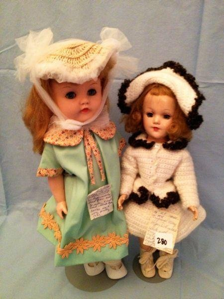 15: Pair of Dolls