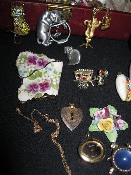 224: Jewelry Pieces & Parts Lot - 2