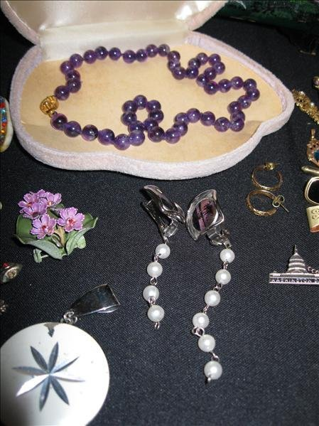 224: Jewelry Pieces & Parts Lot - 3