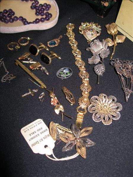 224: Jewelry Pieces & Parts Lot - 4