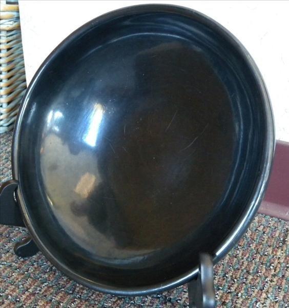 Maria Poveka (Martinez) Undecorated Pottery Bowl