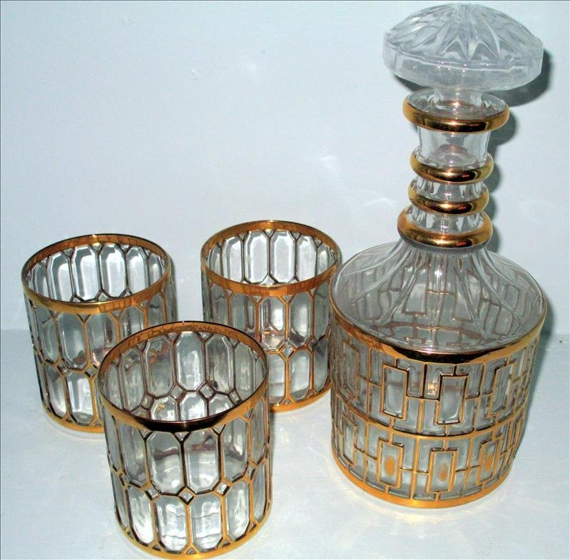 GOLD-TRIMMED DECANTER AND GLASSES