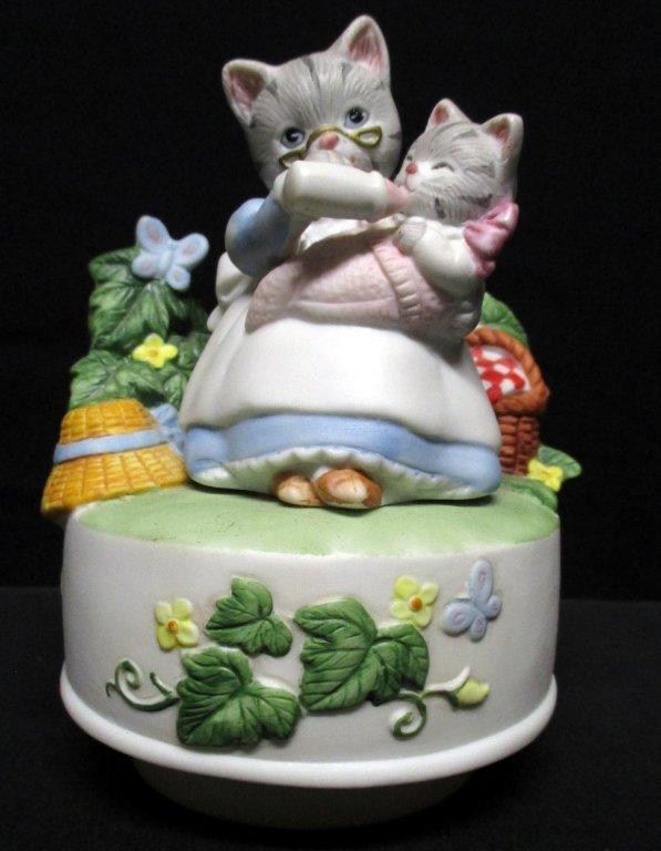 Schmid Kitty Cucumber Mama Kitten & Baby