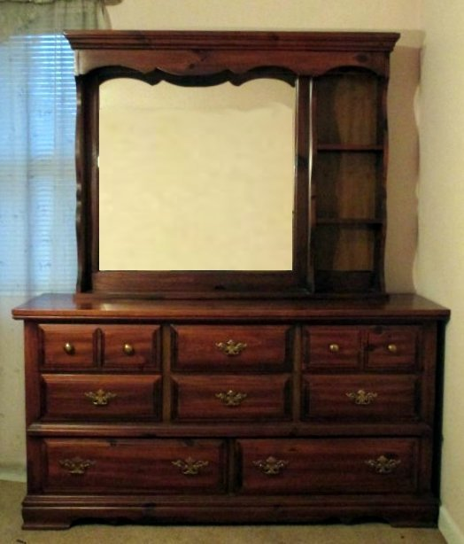 8-Drawer Dresser & Hutch
