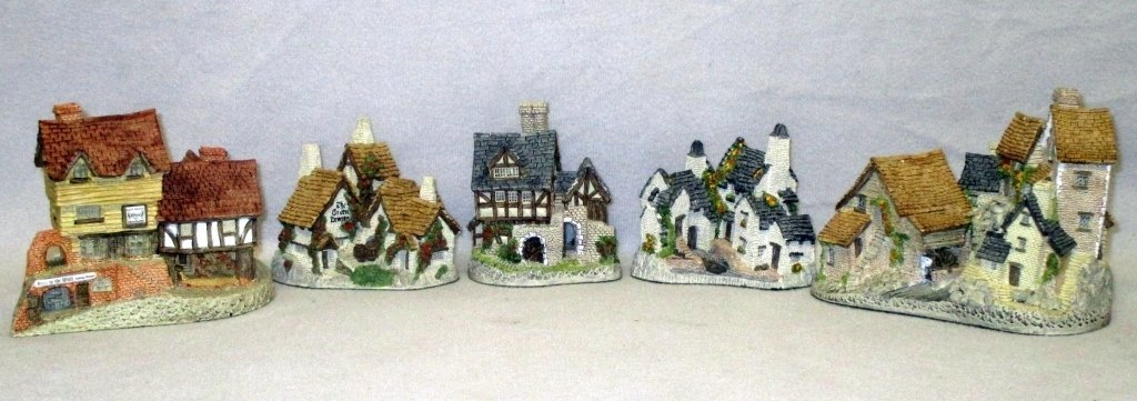 Handmade & Painted David Winter Cottages