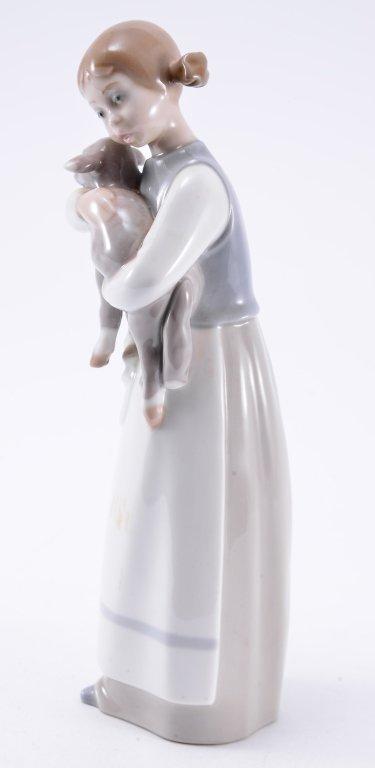 Lladro Girl w/Lamb 1010 - 2