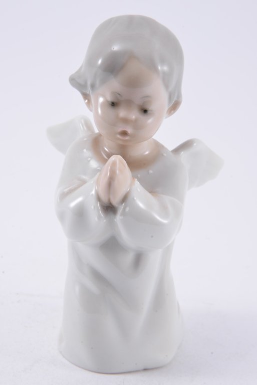 Lladro Angel Praying 4538