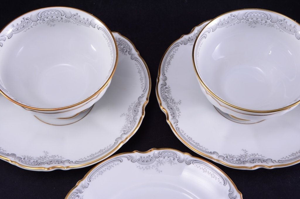 19 Pieces Hutschenreuther Loreley China - 3