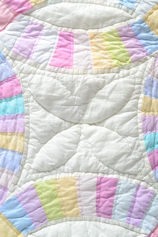 Double Wedding Ring Quilt - 3