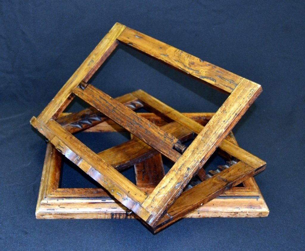 Distressed Adjustable Wood Book Stand