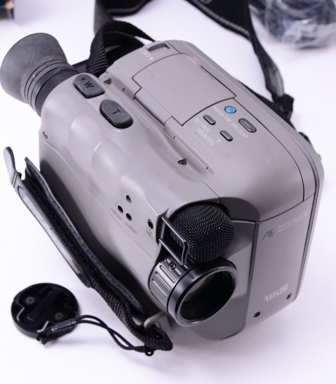 Camcorder, Projector & Screen - 3