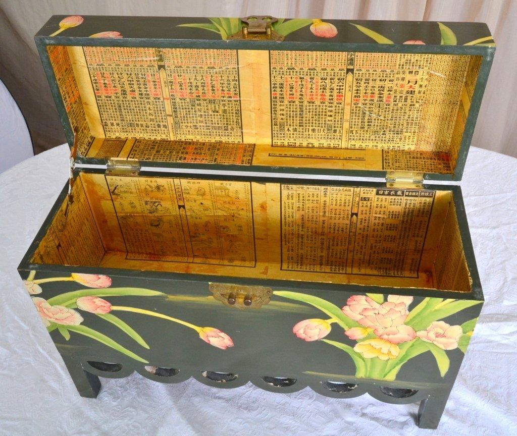 Painted Box w/Scalloped Trim - 3