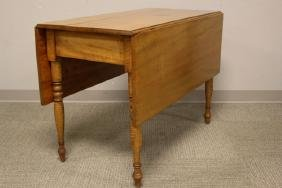 Early 19th Century Maple Drop Side Table