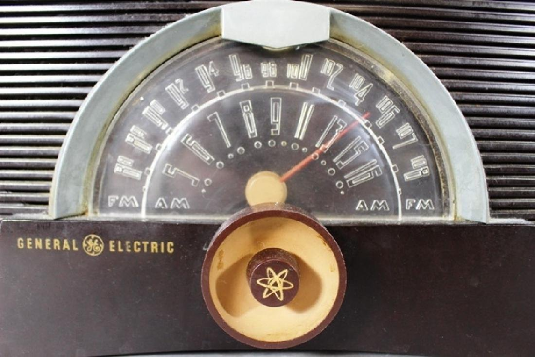 Emerson 560 and RCA Victor RC407 - 3