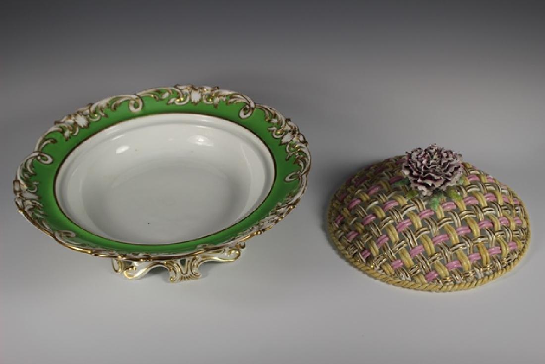 19th Century English Lidded Vegetable Bowl - 5