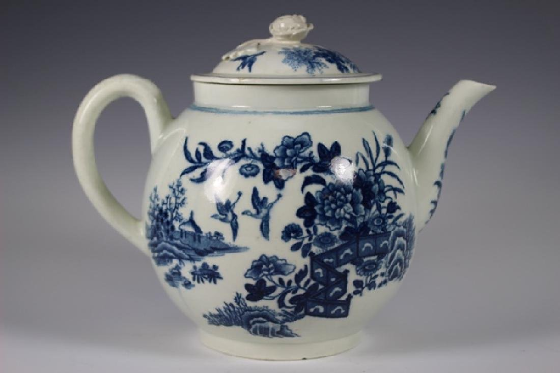 Dr. Wall Period Worcester Porcelain Teapot