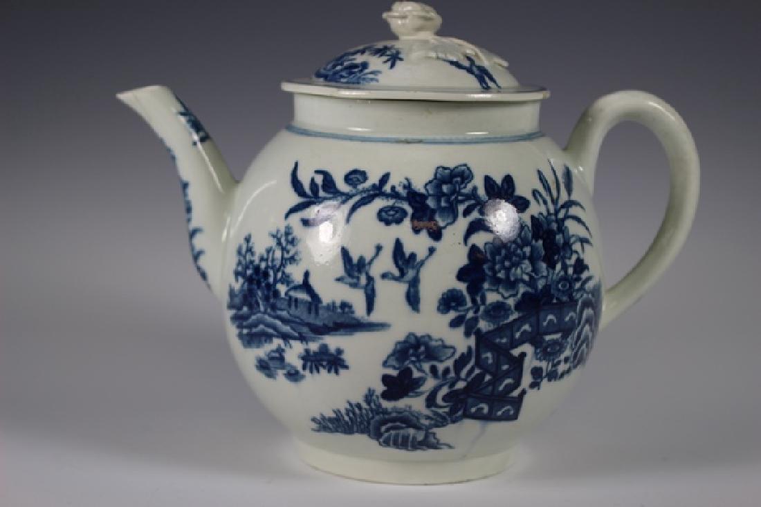 Dr. Wall Period Worcester Porcelain Teapot - 3