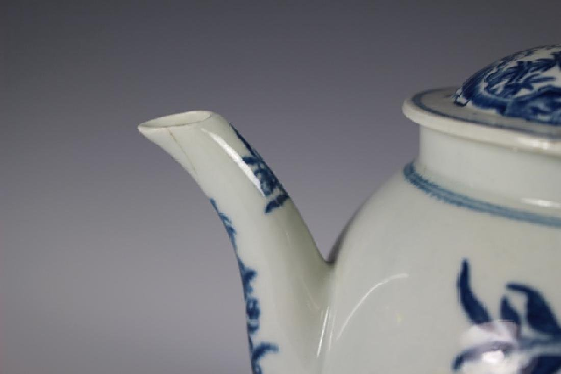 Dr. Wall Period Worcester Porcelain Teapot - 4
